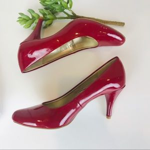 Bandolino Red Patent Leather Heels 7.5M